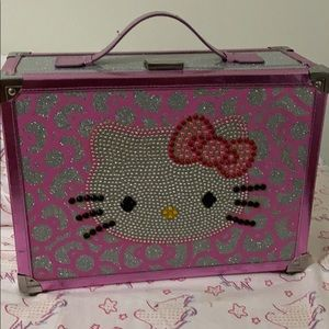 Hello kitty metal box!!